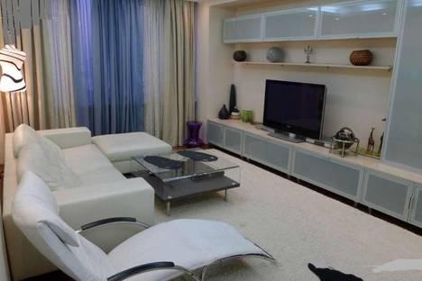 Сдается 2-комнатная квартира посуточно в Новосибирске, ул. Депутатская, 48.