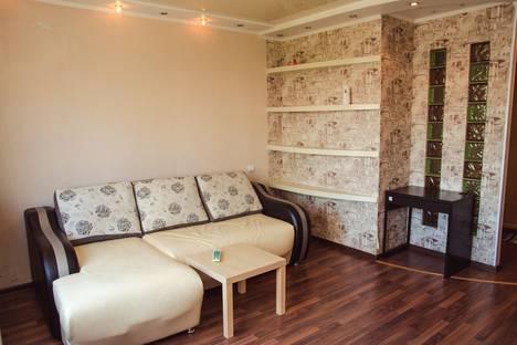 Сдается 2-комнатная квартира посуточнов Новокузнецке, Орджоникидзе, 33.