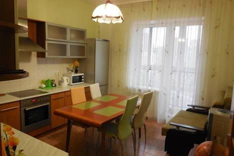 Сдается 2-комнатная квартира посуточно в Новосибирске, ул. Державина, 20.