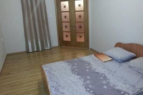 Сдается 1-комнатная квартира посуточнов Якутске, Каландаришвили, д. 23, корп. 4.