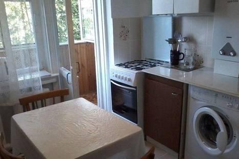 Сдается 2-комнатная квартира посуточно в Туапсе, ул. Маршала Жукова, 5.