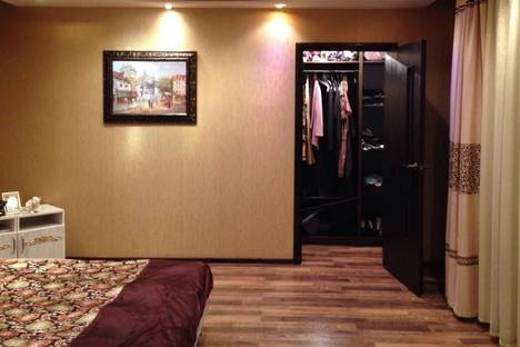 Сдается 2-комнатная квартира посуточно в Павлодаре, 1-е Мая, 383.