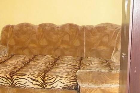 Сдается 2-комнатная квартира посуточно в Никополе, ул. Шевченко, 215.