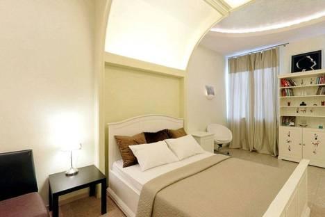 Сдается 1-комнатная квартира посуточнов Санкт-Петербурге, Итальянская улица, 33.