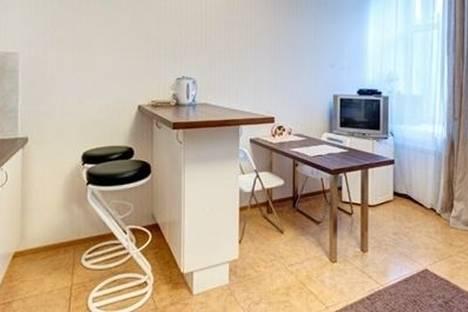 Сдается 2-комнатная квартира посуточнов Санкт-Петербурге, Адмиралтейская набережная, 6.