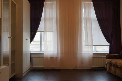 Сдается 1-комнатная квартира посуточнов Санкт-Петербурге, проспект Римского-Корсакова, 55.