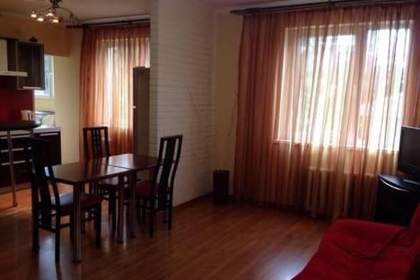 Сдается 2-комнатная квартира посуточнов Сочи, Свердлова, 44.