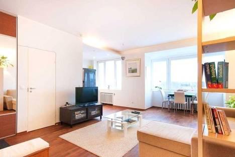 Сдается 1-комнатная квартира посуточнов Санкт-Петербурге, ул. Достоевского д.5.