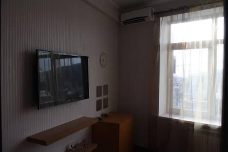 Сдается 1-комнатная квартира посуточно в Сочи, ул. Плеханова, 25к1.