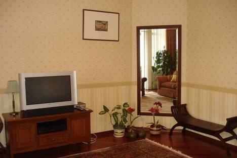 Сдается 2-комнатная квартира посуточно в Киеве, Пушкинская 10.