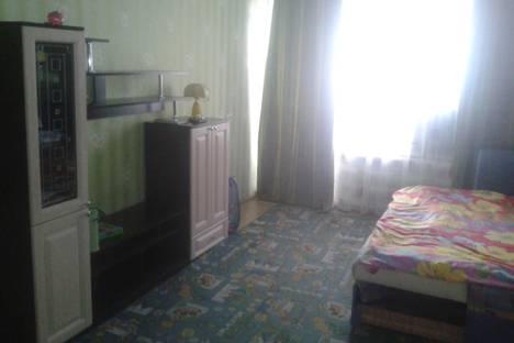 Сдается 1-комнатная квартира посуточно в Яровом, квартал А, 15.