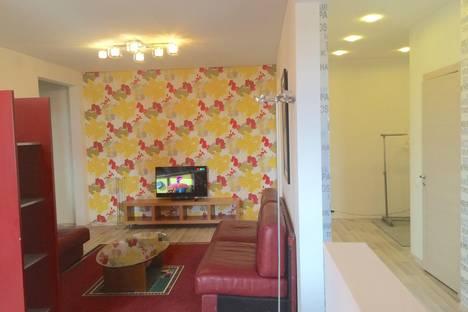 Сдается 3-комнатная квартира посуточнов Казани, ул. Баки Урманче, 1.