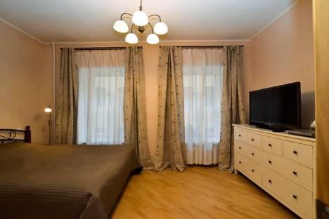 Сдается 2-комнатная квартира посуточнов Санкт-Петербурге, 10-я линия 9.