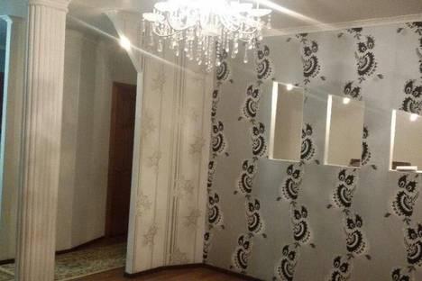 Сдается 2-комнатная квартира посуточнов Актобе, 11мкр д 100.