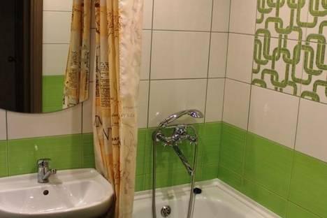 Сдается 1-комнатная квартира посуточнов Саяногорске, Центральный микрорайон, дом 2в.