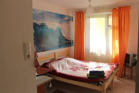 Сдается 1-комнатная квартира посуточнов Железнодорожном, ул. Лесопарковая, 17.