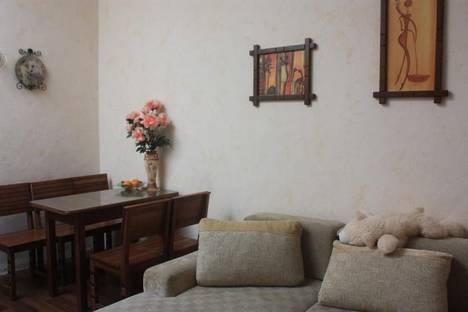 Сдается 2-комнатная квартира посуточно в Ялте, ул.Леси Украинки 10.