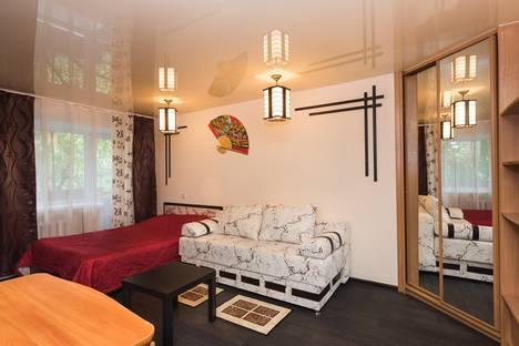 Сдается 1-комнатная квартира посуточнов Екатеринбурге, Московская, 42.