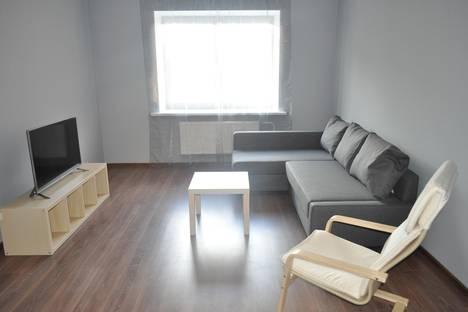 Сдается 2-комнатная квартира посуточно в Великом Новгороде, ул. Речная, 8.