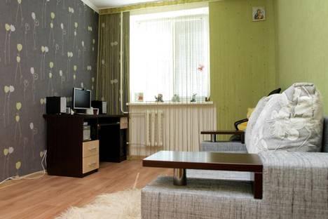 Сдается 2-комнатная квартира посуточно в Евпатории, ул. 60 лет Октября, 30.