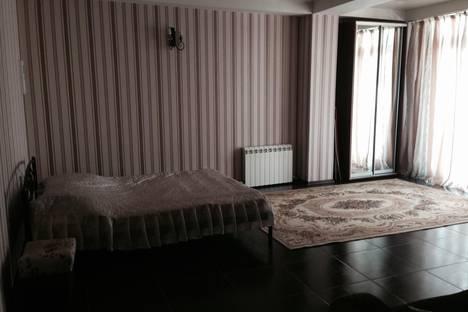 Сдается 1-комнатная квартира посуточно в Ялте, Отрадное 9.