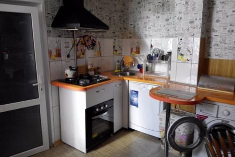 Сдается 2-комнатная квартира посуточно в Евпатории, ул.Училищная, 25.
