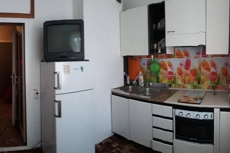 Сдается 1-комнатная квартира посуточно в Новороссийске, ул. Карамзина, 2/8.