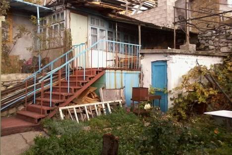 Сдается 2-комнатная квартира посуточно в Алупке, Щепкина 24.