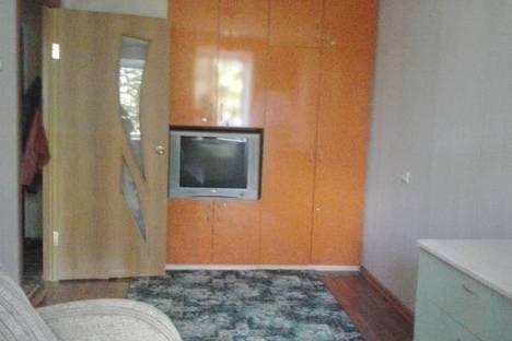 Сдается 2-комнатная квартира посуточно в Яровом, ул. 40 лет Октября, д7.