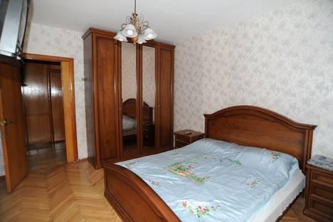 Сдается 2-комнатная квартира посуточно в Сочи, улица Островского, 35/11.