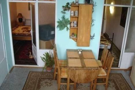 Сдается 2-комнатная квартира посуточно в Ялте, Среднеслободская, 34.