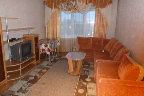 Сдается 3-комнатная квартира посуточно в Белокурихе, ул. Советская, 4.
