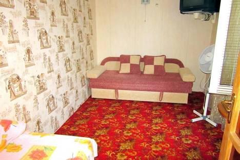Сдается 1-комнатная квартира посуточно в Ялте, Верхнеслободская ул., 8-2.