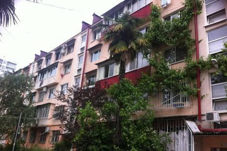 Сдается 3-комнатная квартира посуточнов Сочи, Чайковского, 8.