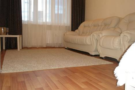 Сдается 1-комнатная квартира посуточно в Набережных Челнах, Новый город, 36 комплекс, ост. Метро.
