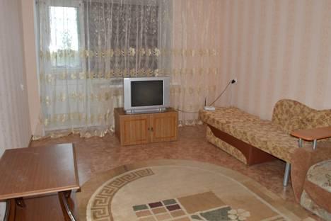 Сдается 1-комнатная квартира посуточно в Мегионе, ул. Сутормина, 10.