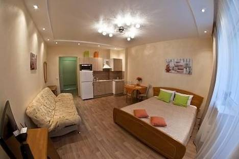 Сдается 1-комнатная квартира посуточнов Екатеринбурге, ул. Саввы Белых, 1.