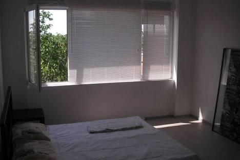 Сдается 2-комнатная квартира посуточно в Армавире, ул. Ефремова, 222.