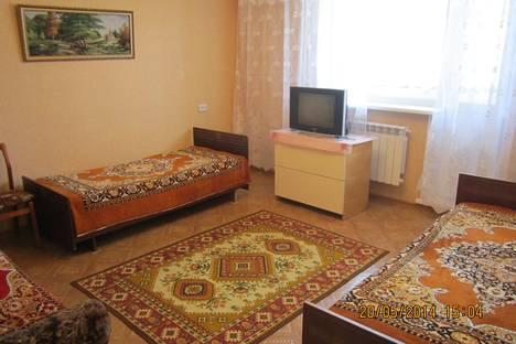 Сдается 2-комнатная квартира посуточно в Яровом, квартал А 17.