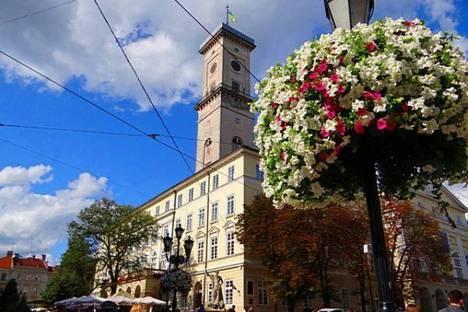 Сдается 2-комнатная квартира посуточно в Львове, Рынок площадь,12.