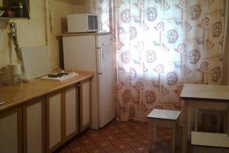 Сдается 4-комнатная квартира посуточно в Яровом, Ленина 3.