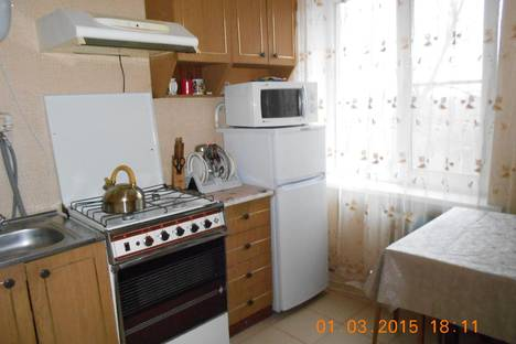 Сдается 1-комнатная квартира посуточно в Тихорецке, Меньшикова 155 / Седина.