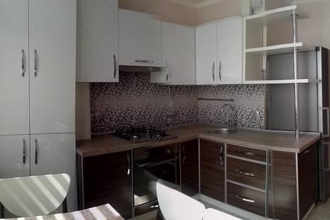 Сдается 2-комнатная квартира посуточно в Севастополе, пр- тОкт. Революции 20.