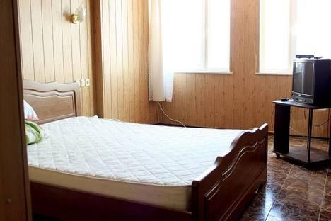 Сдается 2-комнатная квартира посуточно в Алупке, улица Ленина 35 Б.