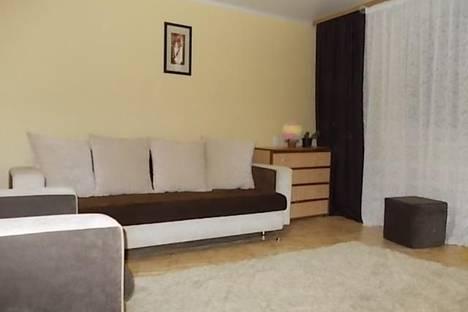Сдается 2-комнатная квартира посуточно в Яровом, Квартал А дом 27.