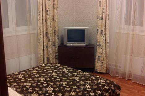 Сдается 2-комнатная квартира посуточно в Подольске, ул. Генерала Смирнова, 3.