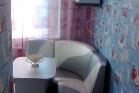 Сдается 1-комнатная квартира посуточнов Апатитах, ул. Бредова, 15.