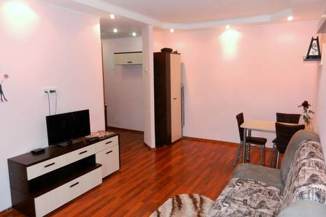 Сдается 1-комнатная квартира посуточно в Иркутске, ул. Карла Маркса  д. 18.