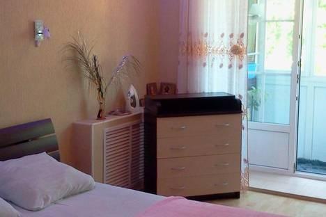 Сдается 3-комнатная квартира посуточно в Яровом, ул. 40 лет Октября, 7.