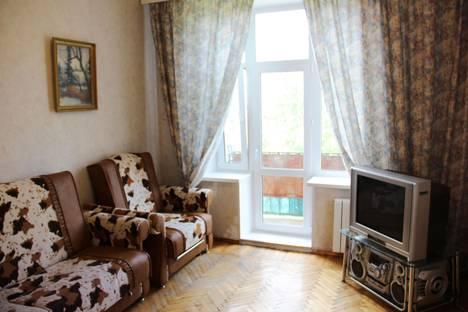 Сдается 2-комнатная квартира посуточнов Санкт-Петербурге, ул. Фрунзе, 24.